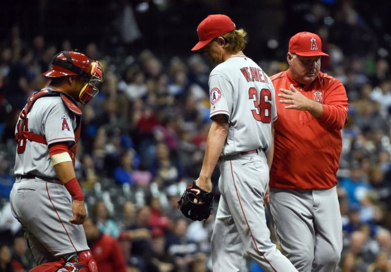 Geovany-soto-mike-scioscia-jered-weaver-mlb-los-angeles-angels-milwaukee-brewers-768x534