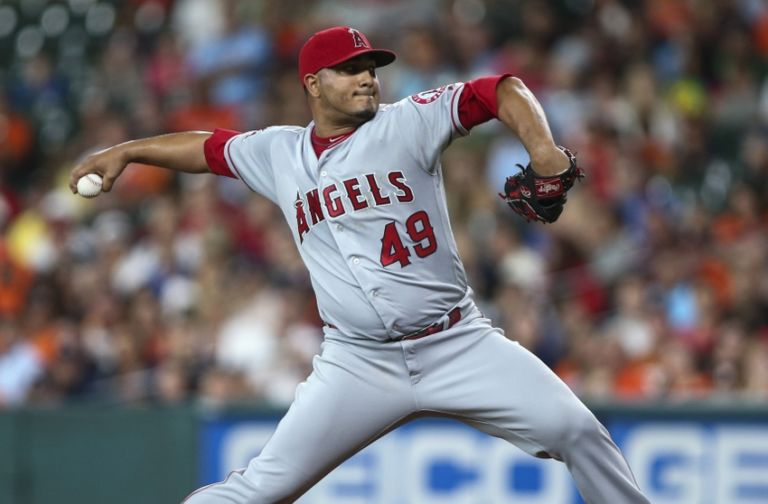 Jhoulys-chacin-mlb-los-angeles-angels-houston-astros-768x504