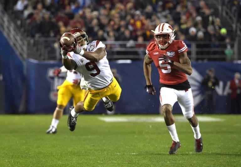 Darius-hillary-ncaa-football-holiday-bowl-southern-california-vs-wisconsin-768x534