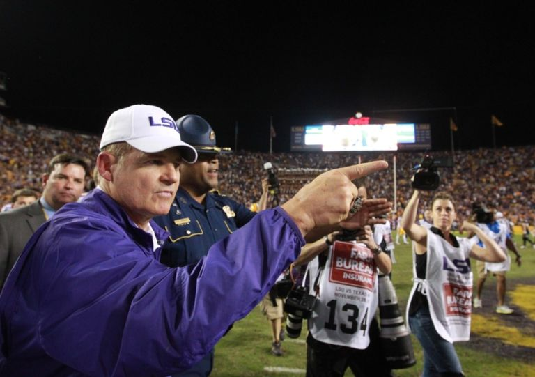 Les-miles-ncaa-football-texas-a-m-louisiana-state-768x541