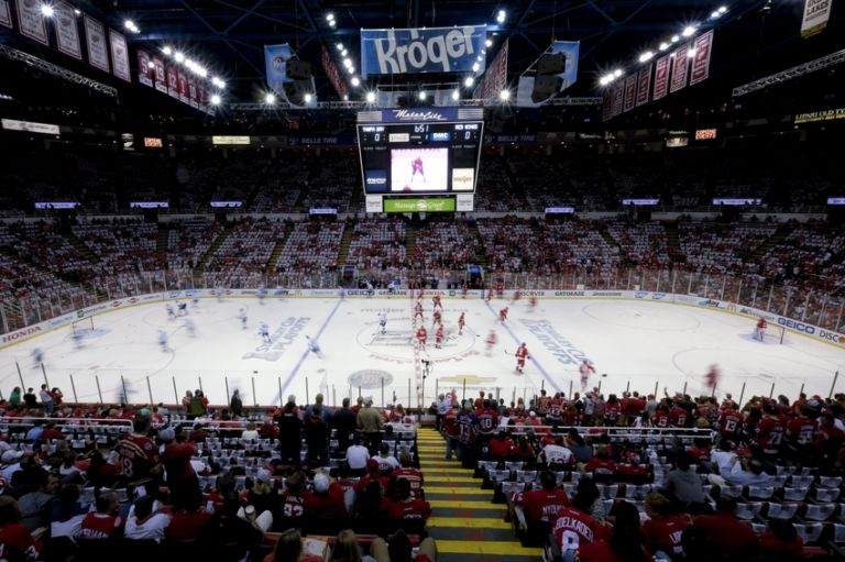 Nhl-stanley-cup-playoffs-tampa-bay-lightning-detroit-red-wings-1-768x511