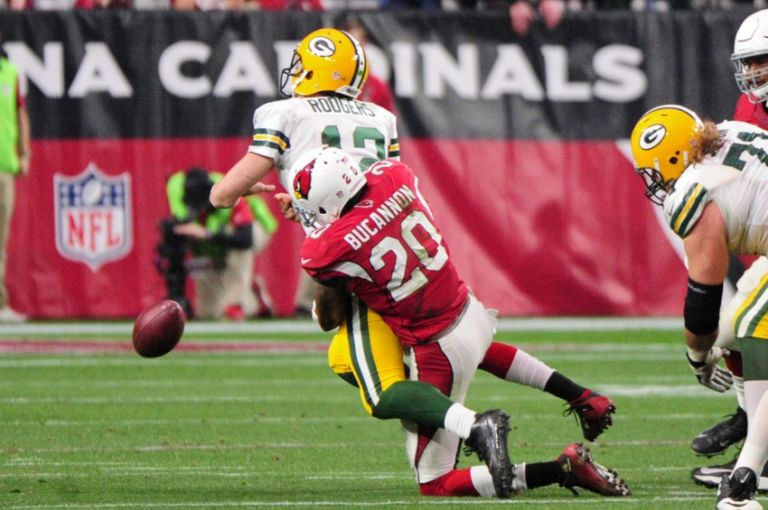 Deone-bucannon-aaron-rodgers-nfl-green-bay-packers-arizona-cardinals-768x510