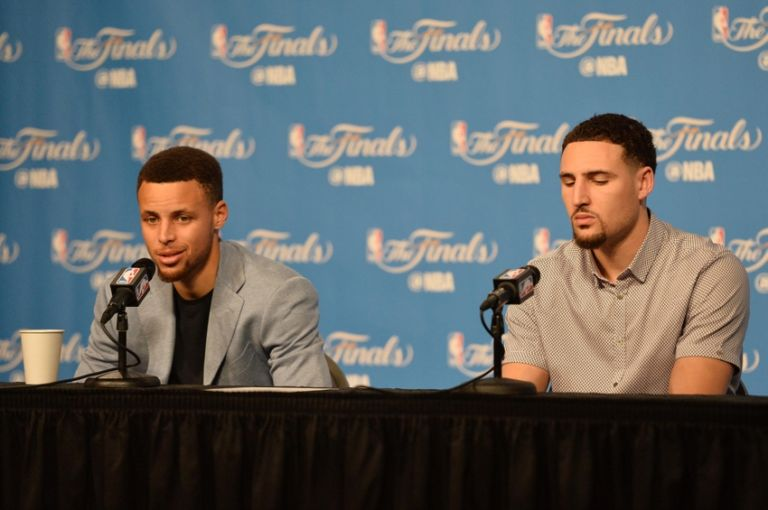 Stephen-curry-klay-thompson-nba-finals-golden-state-warriors-cleveland-cavaliers-768x510