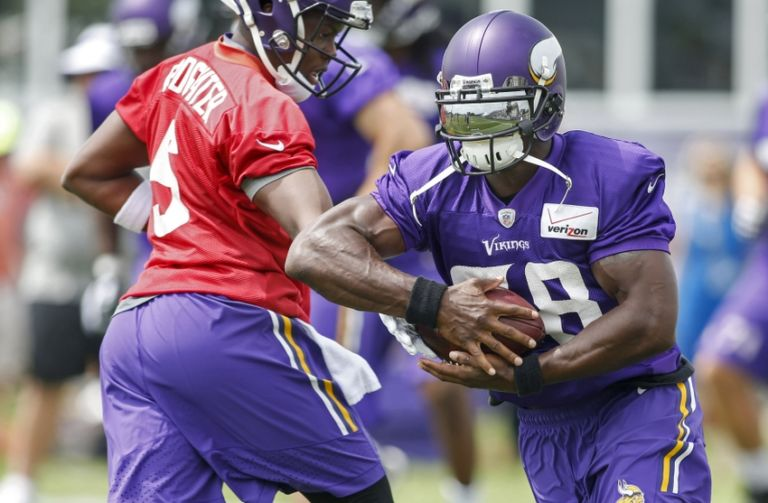 Adrian-peterson-teddy-bridgewater-nfl-minnesota-vikings-training-camp-768x503